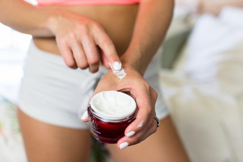 nighttime skincare routine, skincare, nighttime skincare, beauty, anti aging. anti aging products, anti aging skincare, regenerist cream, olay, olay regenerist,