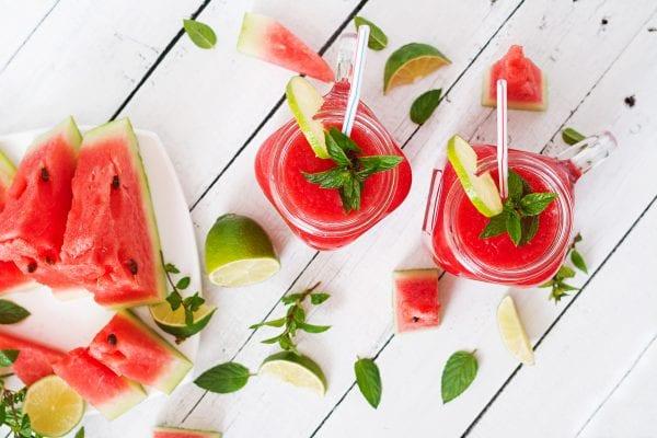fresh watermelon juice, best watermelon juice recipe, watermelon juice, watermelon recipes, how to debloat, best pre-workout drink