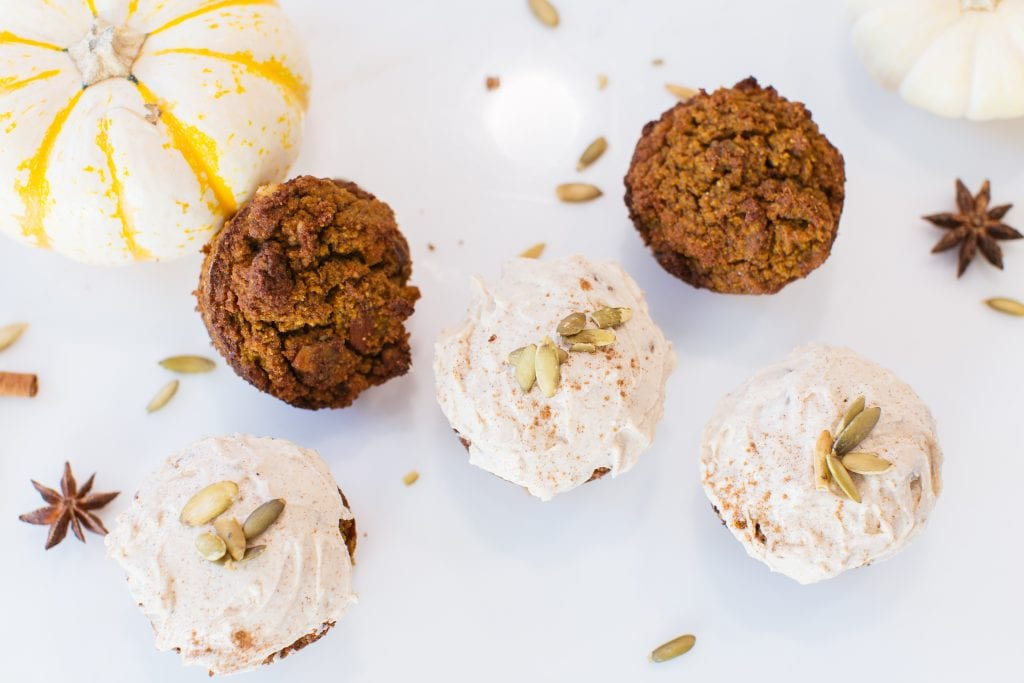 pumpkin spice muffins, healthy pumpkin spice muffins, healthy muffins, fall recipes, healthy fall recipes, healthy pumpkin spice recipes, basic bitch recipes